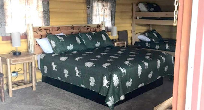 Ashton Log Cabin Rentals - Cabin 7 Bed