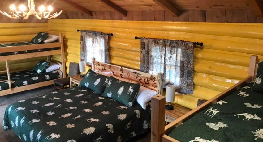 Ashton Log Cabin Rentals - Cabin 7 Bunk Beds
