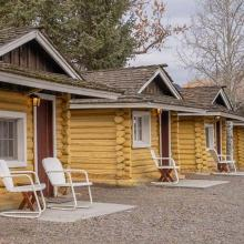 Ashton Log Cabin Rentals - Cabin 4