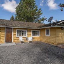 Ashton Log Cabin Rentals - Cabin 7